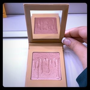 Kylie Cosmetic/ Blush